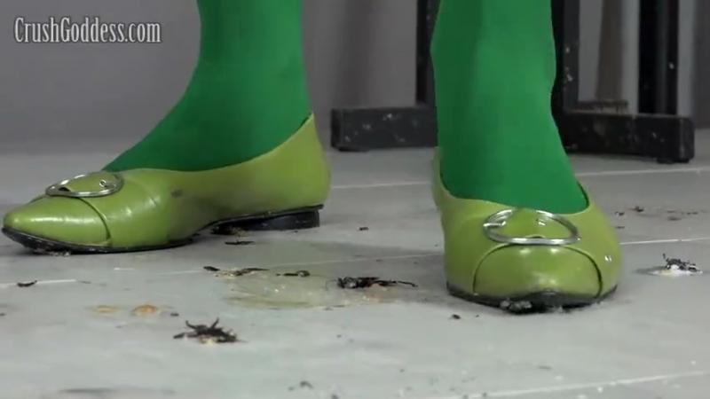 Crush cricket green ballet flats and nylon
