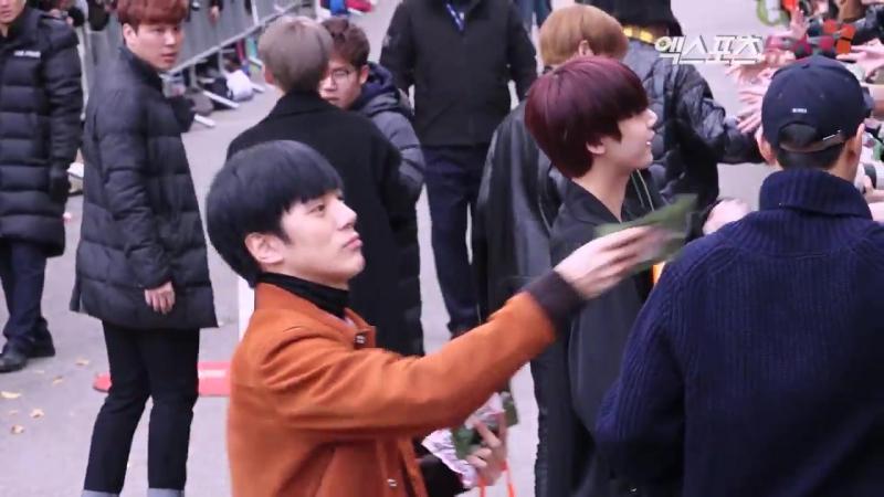 [VK][10.11.2017] Monsta X at arrive Music Bank @ 엑스포츠뉴