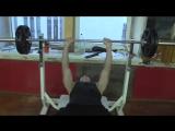 жим штанги руками на горизантальной скамье узкий хват - вес 60 кг