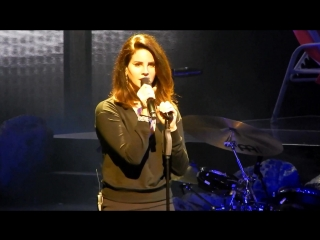 Lana Del Rey – God Bless America - And All The Beautiful Women In It (Live @ «LA To The Moon Tour»: «Toyota Center»)