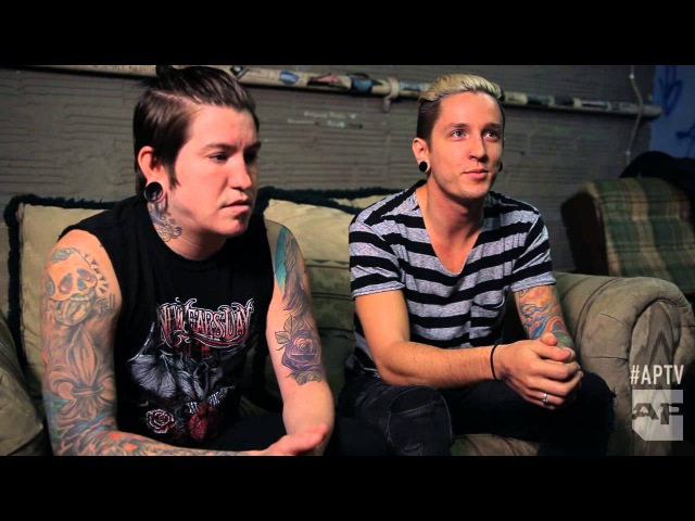 """Life is too short You just gotta move on"""" Craig Mabbitt and Telle Smith on beefs"""" and unity"""