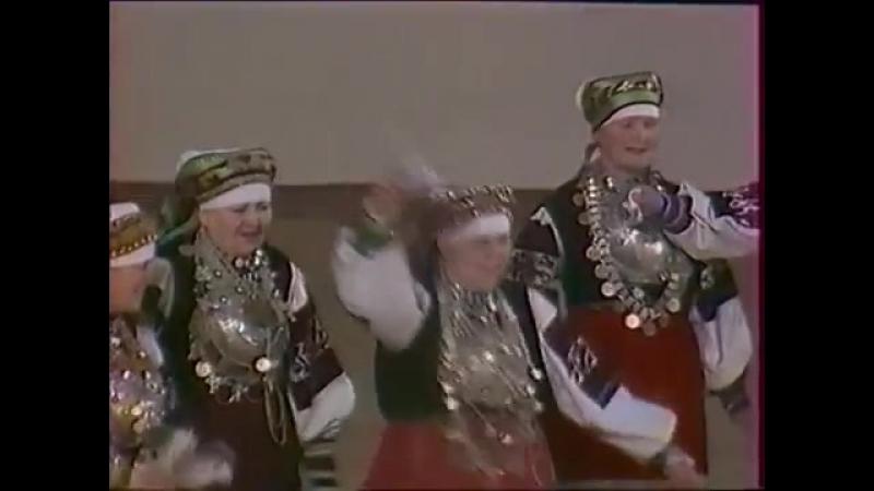 Псковская обл, Печорский р н, с Смольник Пляска Четвёрка и танец Кузнец. 1980 г.