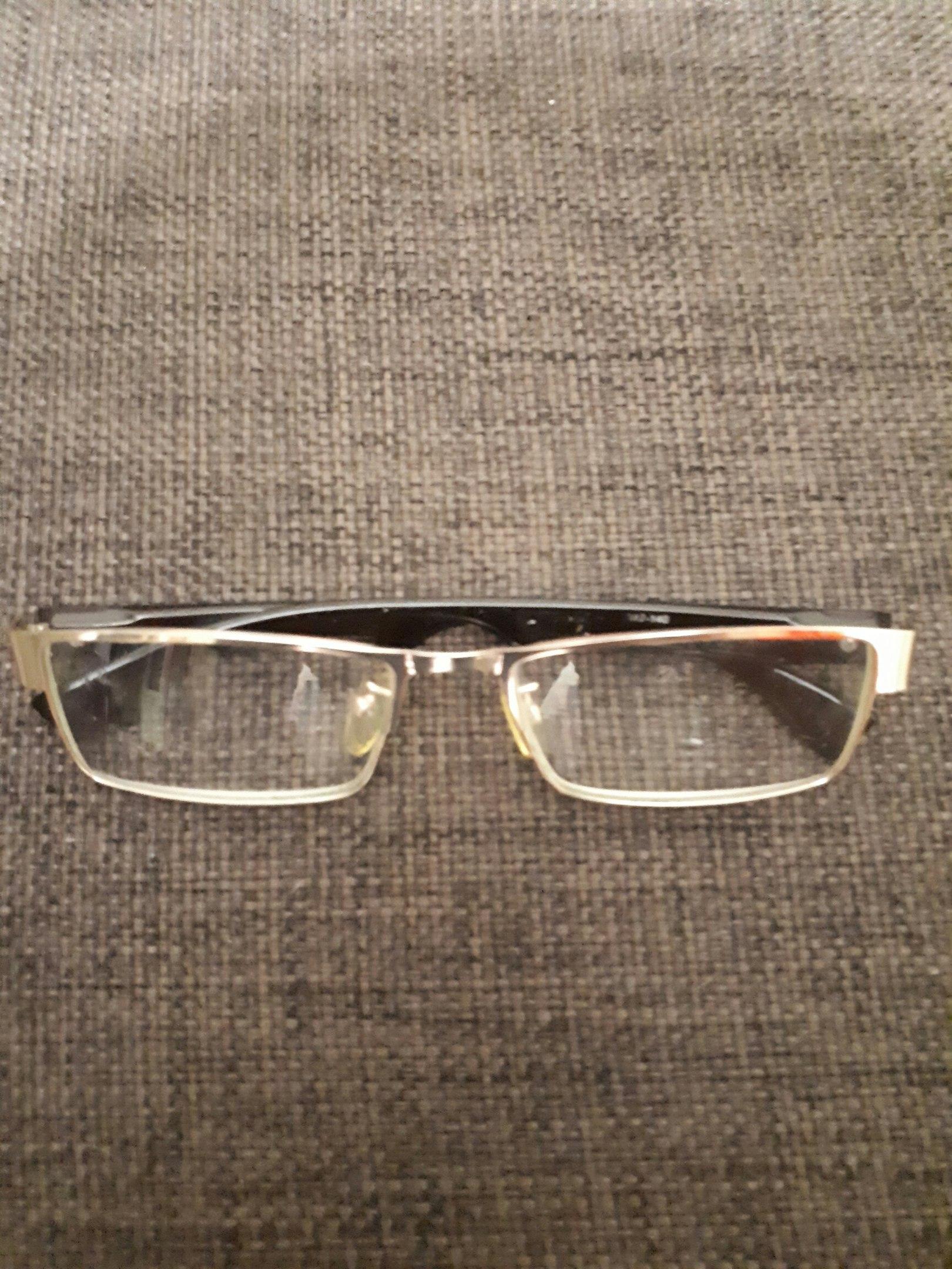 Найдены очки в районе ДДТ .