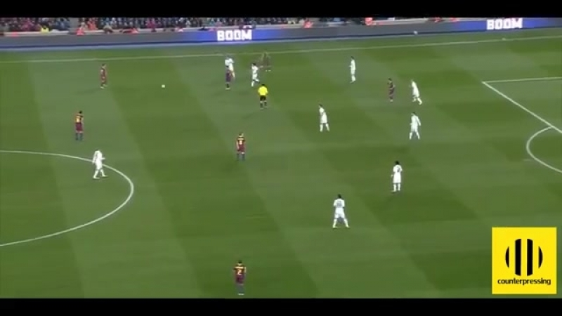 Xavi Hernandez Analyzing Xavis Game Control