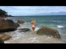 Голая девушка с красивой попой купается в море 3 Нудисты частное видео