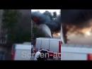 В Махачкале горит крыша многоквартирного дома