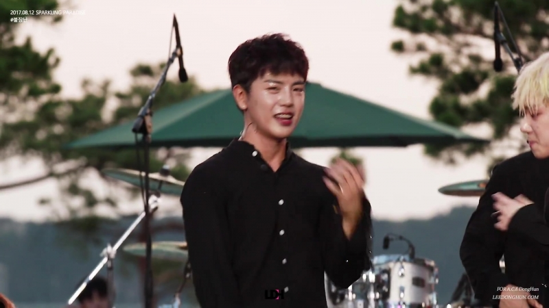 FANCAM | 12.08.17 | Donghun (A.C.E) - Playing with fire @ POOL PARTY