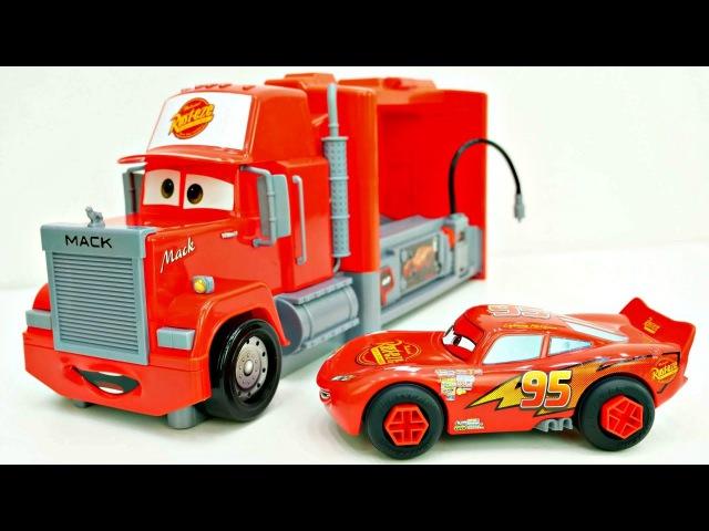 Déballage d'un camion avec McQueen. Vidéo éducative en français pour les enfants