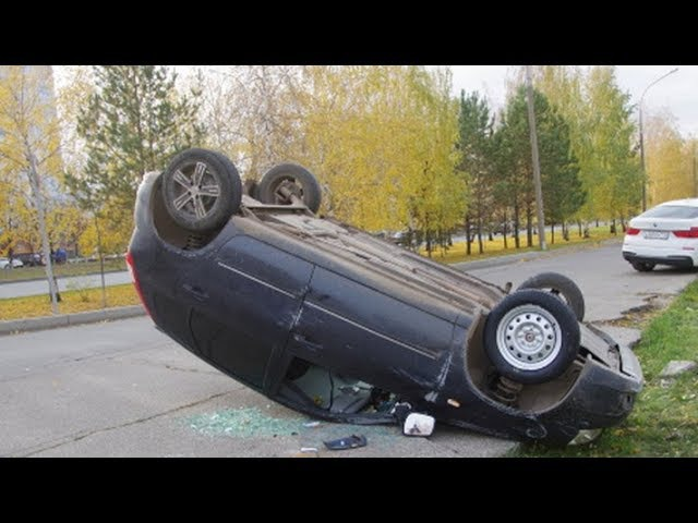 STUPID Drivers On Road! Idiot Driving Fails October 2017 22