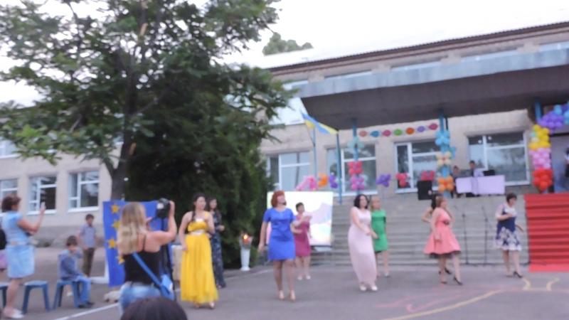 танец учителей Добропольской ЗОШ