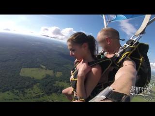 Alina Hennesy, Ally Breelsen (Naked Parachute Jump)2017, Public Nude, HD 1080p