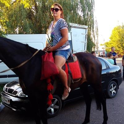 Надя Михайлова