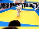 В России на турнире по дзюдо мать избила ребенка и подралась с судьей