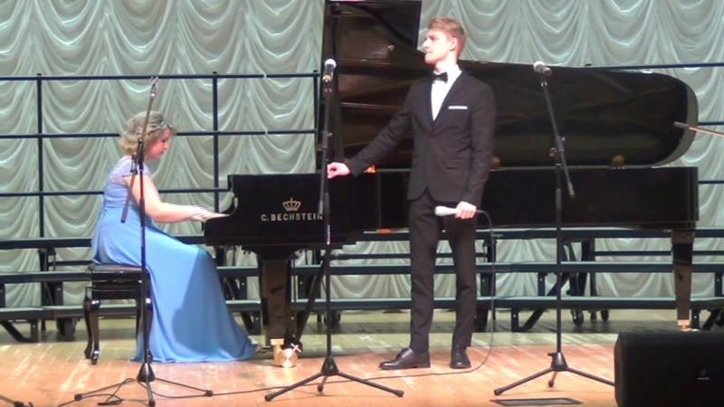 Где ты далёкая...исп.Анатолий Колмагоров, за роялем Татьяна Канаева