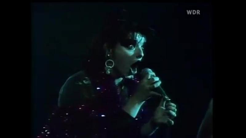 NINA HAGEN - Auf´m Friedhof Live 1978