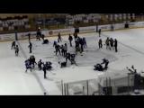 Две массовые драки устроили юные хоккеисты в матче за третье место на детском турнире в Молодечно. Белоруссия (VHS Video)