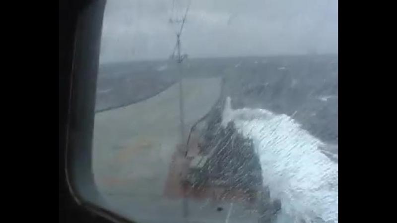 Крейсер Адмирал Ушаков шторм в Атлантике Съёмки с борта ТАвКр Адмирал Кузнецов