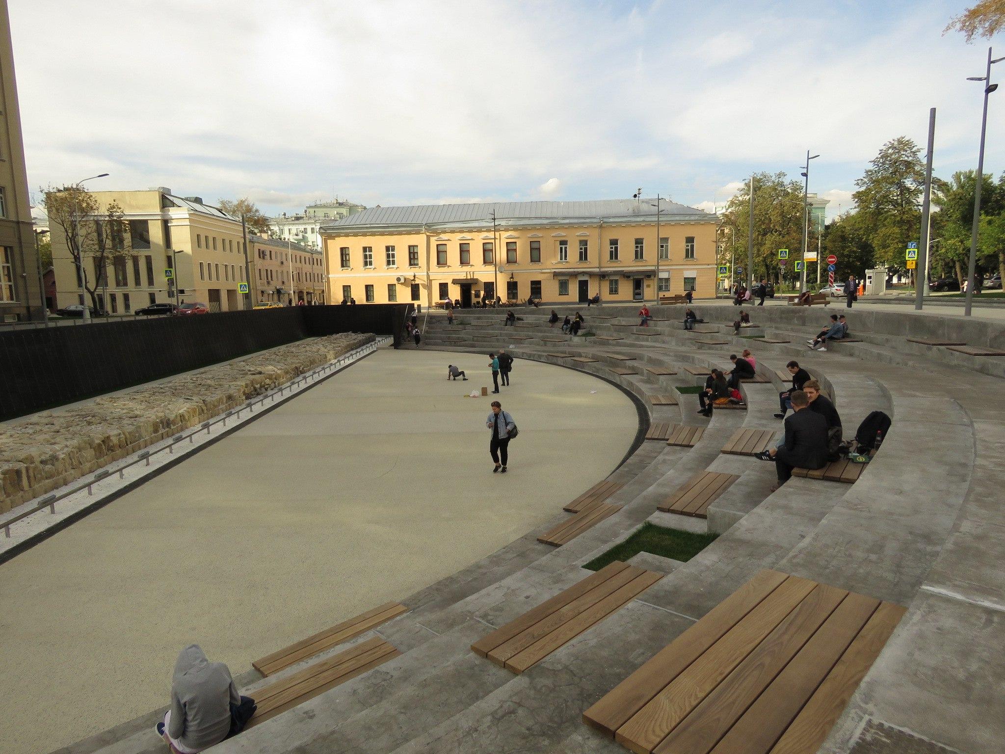 Колизей на Хохловской площади