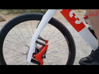 Lauf Grit fork slow motion on washboards. 110th speed.