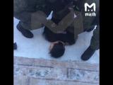 Видео задержания ученика, напавшего на школу в Бурятии