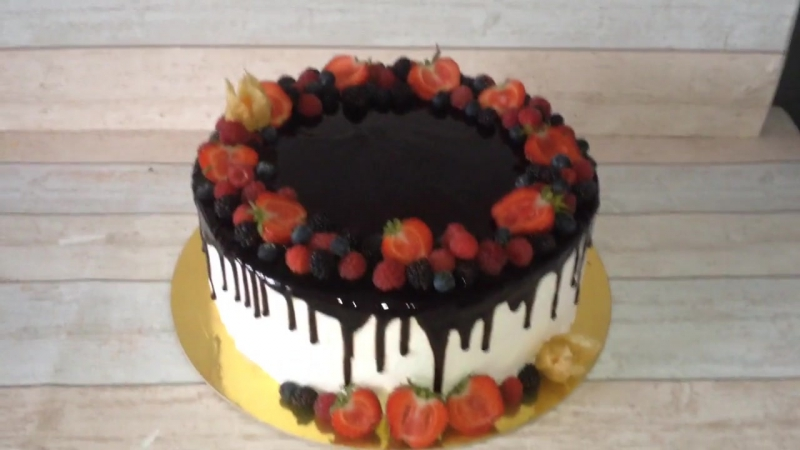 Торт с ягодами кондитер Марина Алдохина