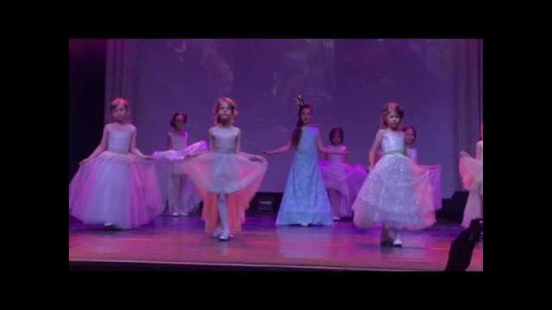 Театр Мод Kids' PODIUM постановка Алиса в стране чудес