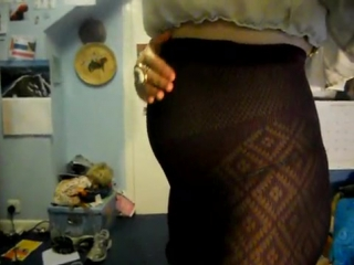 fat belly in tights
