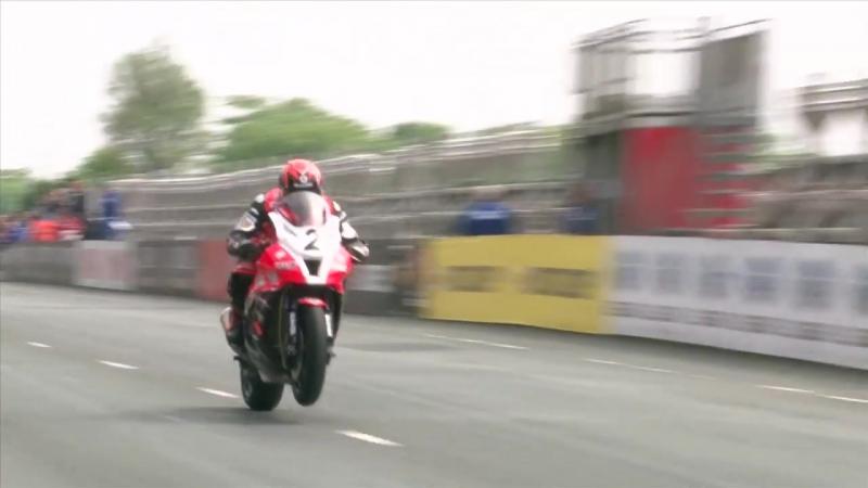 THE GREATEST ✔️ Show On Earth ⚡️ ✅ 322.km_h-200.MPH Street Race . ISLE of MAN TT