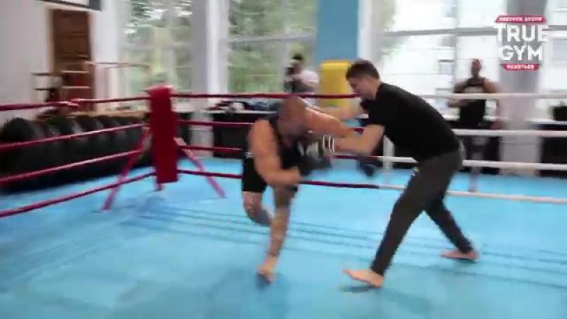 Боксеры против борцов - Максим Новоселов против боксера