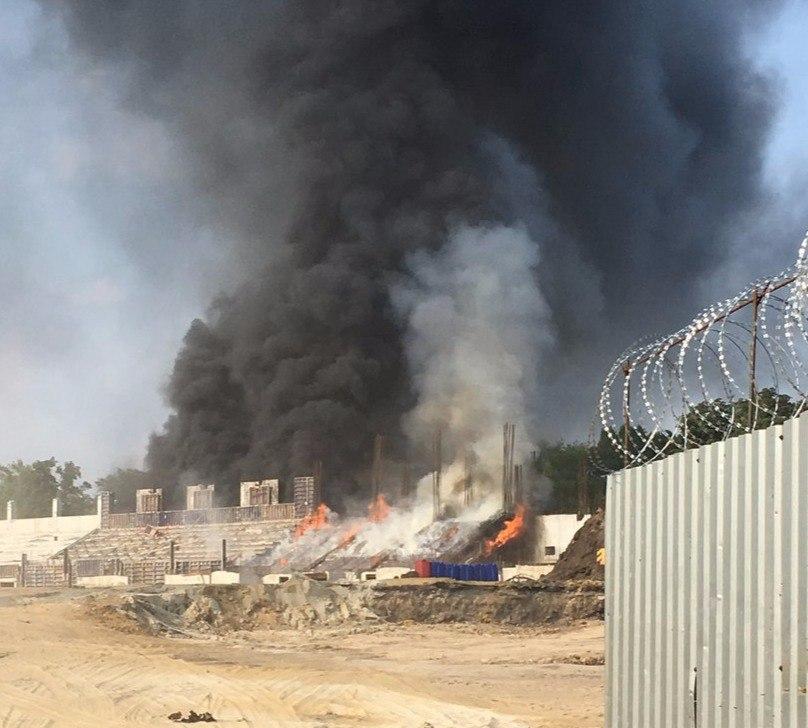 В Администрации Таганрога назвали причину пожара на реконструируемом стадионе «Торпедо»