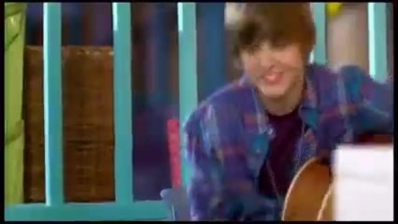 Justin Bieber - One Less Lonely Girl (2017).mp4
