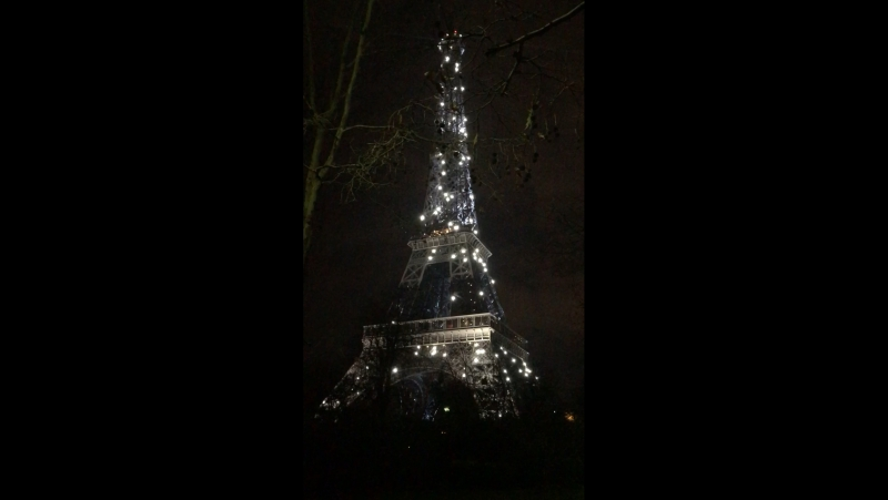 Eiffel Tower flashy