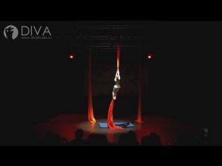 Детская воздушная гимнастика на полотнах, ученица студии - Екатерина, хореограф Анастасия Морхова