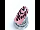 Дизайн ногтей Зимняя геометрия