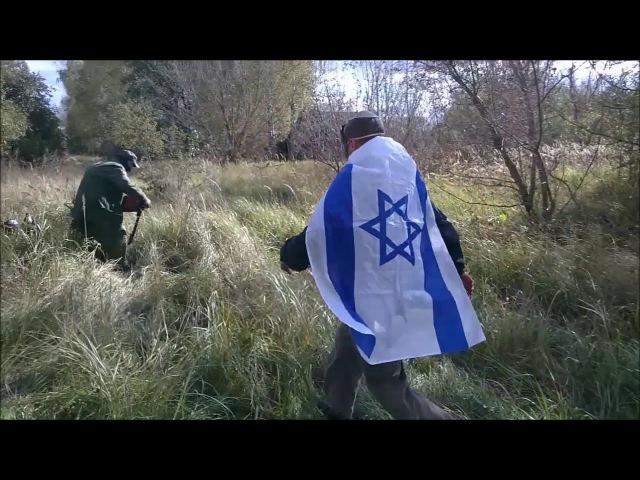 Чернобыльский Цадик ловит в Зоне Отчуждения мародёров и обращает их в Иудаизм.