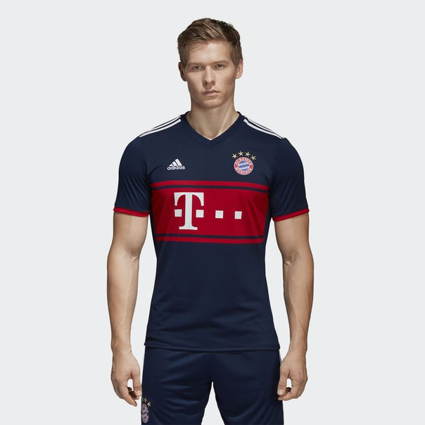 Выездная игровая футболка Бавария Мюнхен