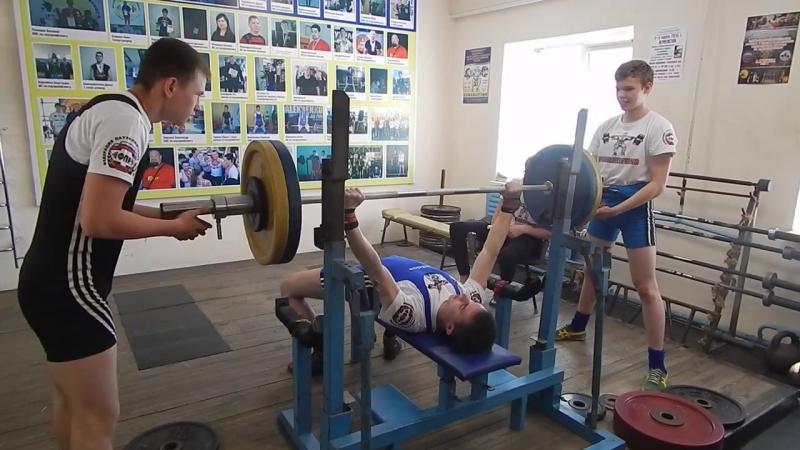 Павел Гуренко жим 100 кг » Freewka.com - Смотреть онлайн в хорощем качестве
