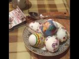 Алла Пугачёва, Лиза и Гарри Галкины - Пасхальные яйца (instagram Аллы Пугачёвой - alla_orfey)