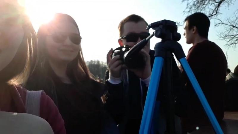 нас снимает скрытая камера