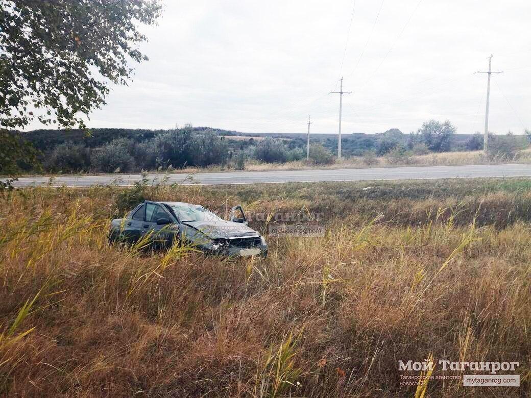 Под Таганрогом перевернулась «Лада Приора», водитель погиб
