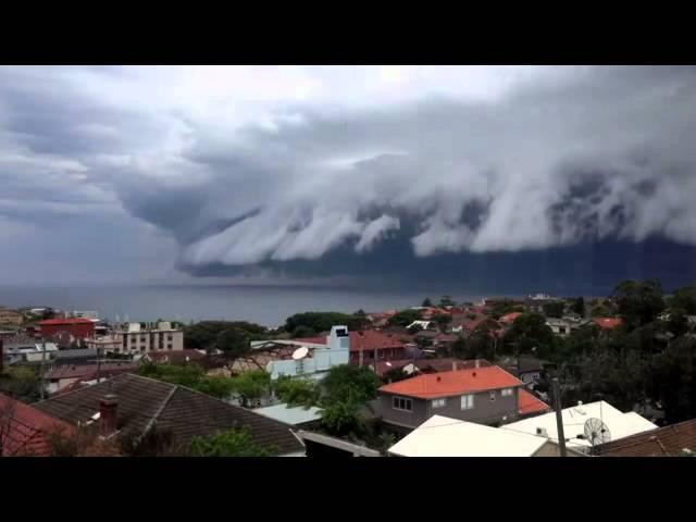 Облачное цунами в Австралии