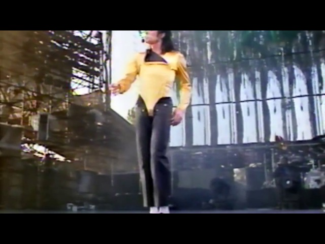 Michael Jackson - Dangerous Tour live in Oslo 1992 - Human Nature (Enhance Test)