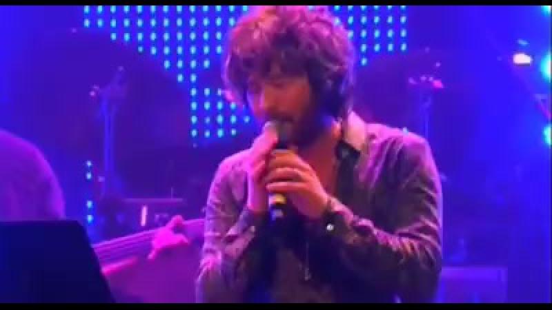 Иранский певец Мансур поет на армянском .