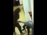 GRAUSAM: Brutaler AFRIKANER wurde mit Kamera GEFILMT, wie er WEHRLOSE Frauen in ASYLUNTERKUNFT schlägt (FSK:18++)