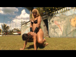 heavy blonde rides little ponygirl outdoor
