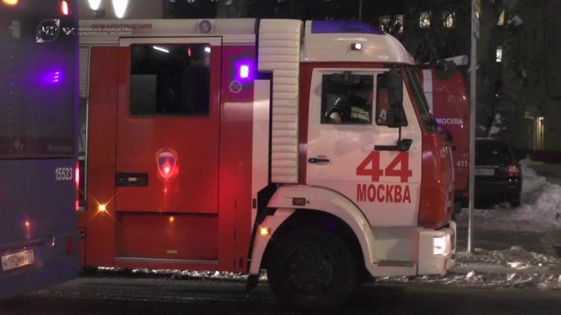 Пожар в административном здании произошел на Большой Полянке в центре Москвы