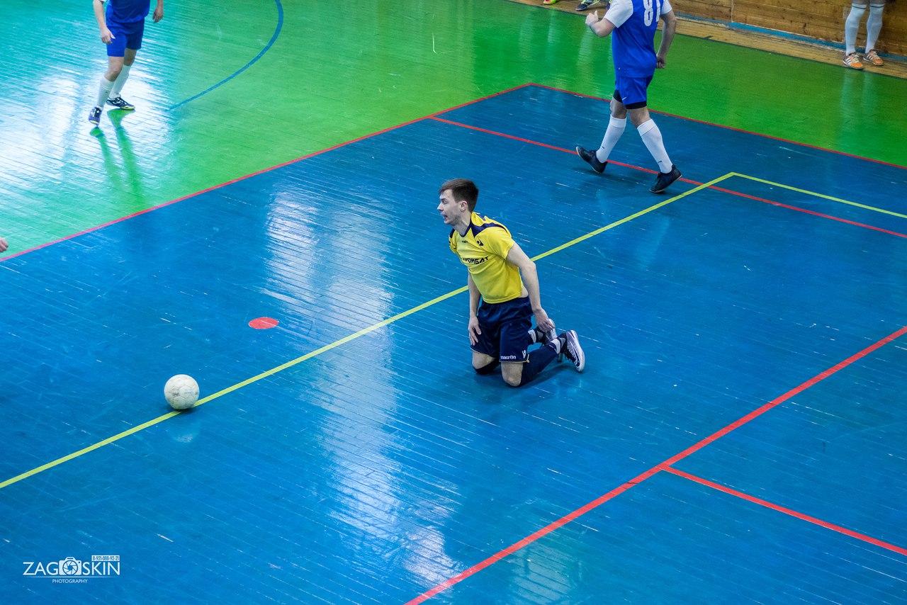 Первый матч «Севдорстроя» в ранге лидера Чемпионата и Подвальные разборки «Кристалла» и «Стройбата»