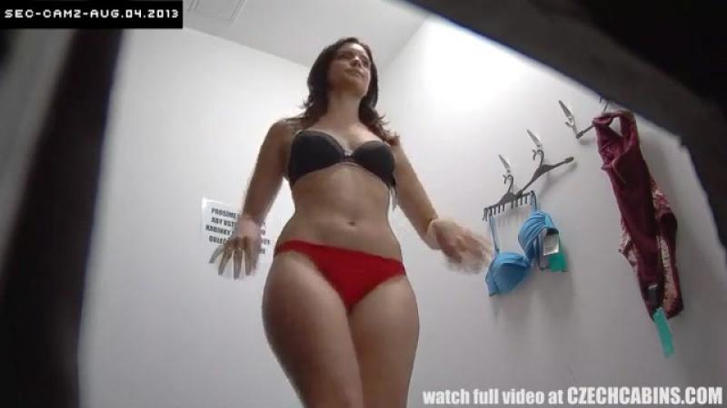 Камера в раздевалке чешского салона нижнего белья (sex porno порно секс anal анал трах домашнее)