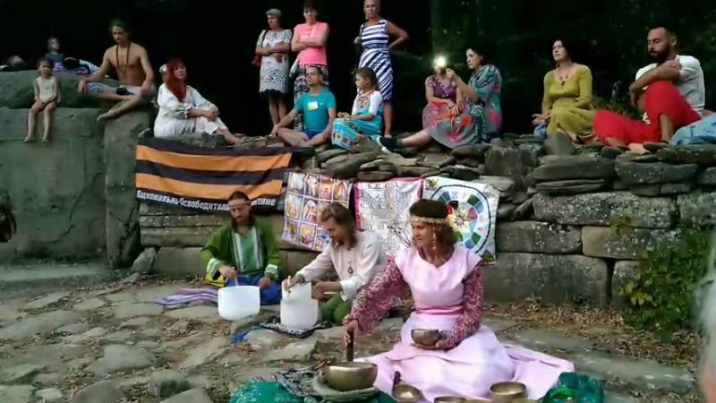 Концерт хрустальных и кованных чаш на дольменах.