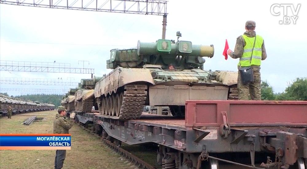 Первые эшелоны сроссийскими войсками начали покидать Беларусь